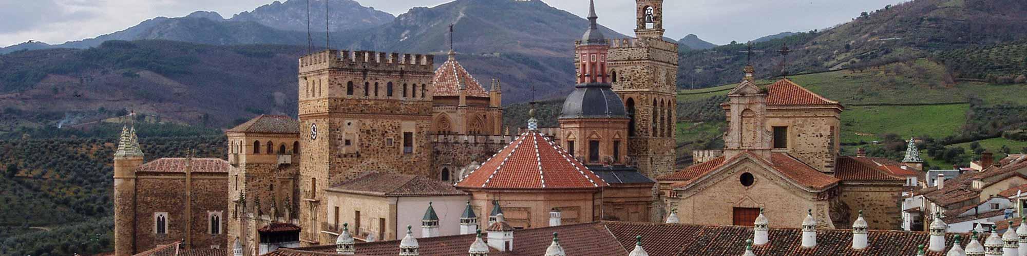 En busca del paraíso perdido de la reuna: El Camino Real de Guadalupe  - EL PAIS Viajes