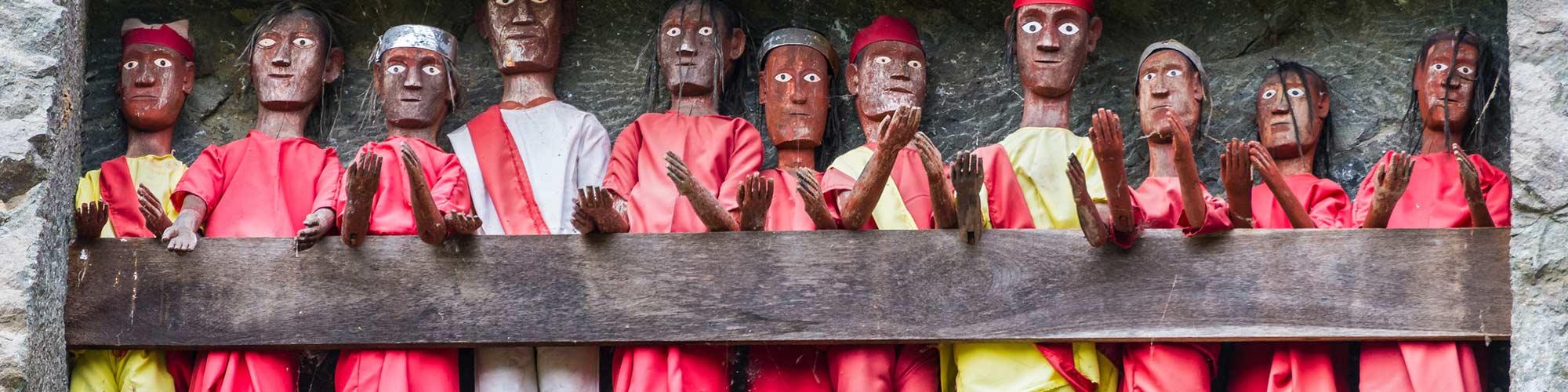 Tradicional de enterramiento sitio en Tana Toraja - El Pais Viajes