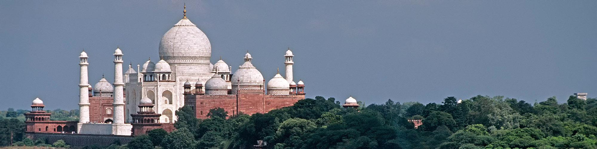 Luna llena en el Taj Mahal- EL PAIS Viajes
